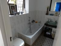 Bathroom 1 - 4 square meters of property in Somerset West