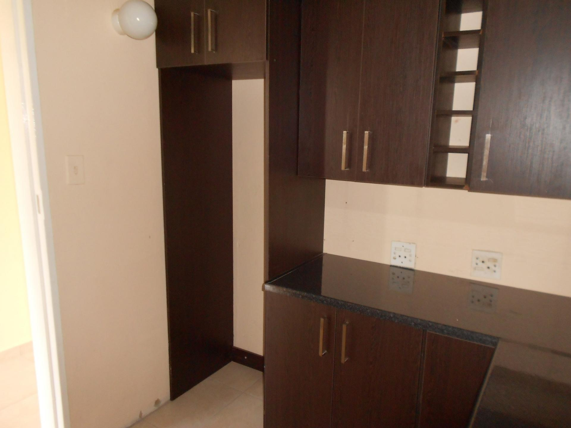 Kitchen - 9 square meters of property in Mindalore