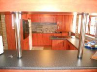 Kitchen - 10 square meters of property in Kingsburgh