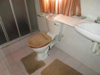 Main Bathroom - 10 square meters of property in Walkerville