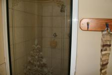 Main Bathroom - 6 square meters of property in Zwavelpoort