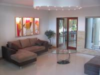 Lounges - 41 square meters of property in Hartbeespoort