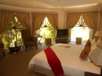 Main Bedroom - 45 square meters of property in Hartbeespoort