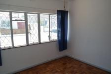 Bed Room 1 - 14 square meters of property in Parow Central