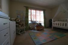 Bed Room 1 - 20 square meters of property in Faerie Glen