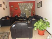 Lounges - 23 square meters of property in Benoni