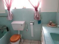 Main Bathroom - 8 square meters of property in Silverfields