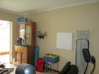 Lounges - 13 square meters of property in Ferndale - JHB