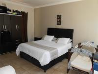 Main Bedroom - 20 square meters of property in Isandovale