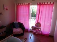 Bed Room 1 - 10 square meters of property in Isandovale