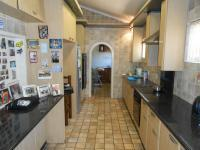 Kitchen - 21 square meters of property in Isandovale