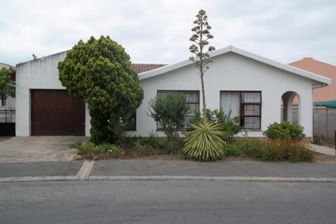 Absa Bank Trust Property House For Sale in Paarl - MR123747