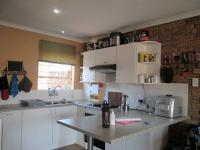 Kitchen - 9 square meters of property in Rangeview