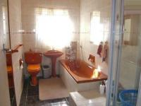 Bathroom 1 - 1 square meters of property in Hamberg