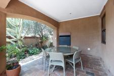 Patio - 37 square meters of property in The Wilds Estate