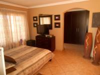 Main Bedroom - 64 square meters of property in Hartbeespoort