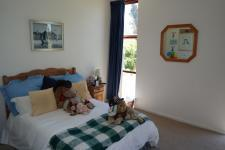 Main Bedroom - 14 square meters of property in Constantia CPT