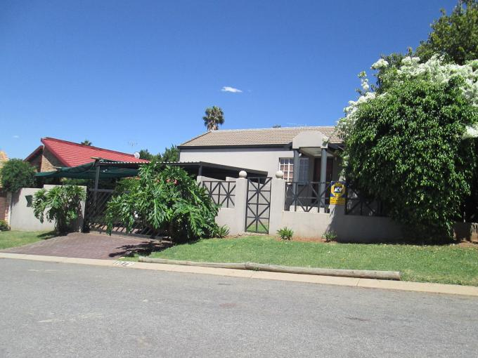 4 Bedroom House For Sale in Radiokop - Home Sell - MR123846