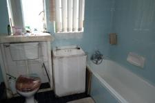 Bathroom 1 - 7 square meters of property in Westridge CP