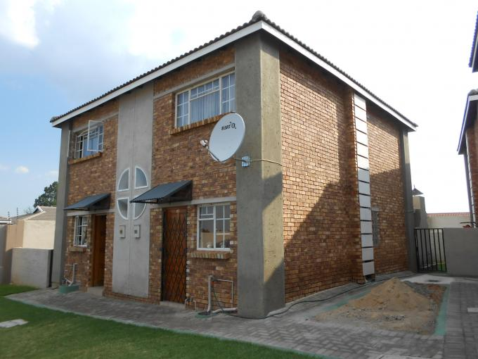 2 Bedroom Sectional Title for Sale For Sale in Birchleigh - Private Sale - MR123864