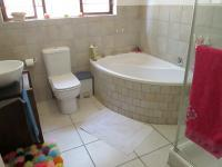 Bathroom 1 - 8 square meters of property in Jukskei Park