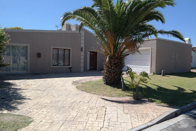 3 Bedroom House for Sale For Sale in Bothasig  - Private Sale - MR123914