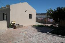 Spaces - 29 square meters of property in Bothasig
