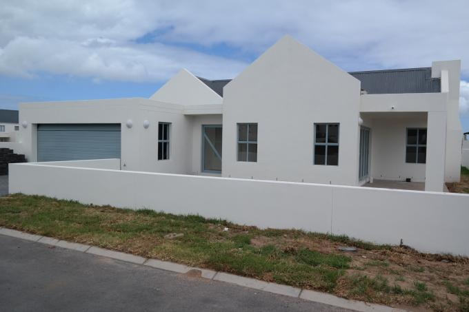 3 Bedroom House For Sale in Langebaan - Private Sale - MR123922