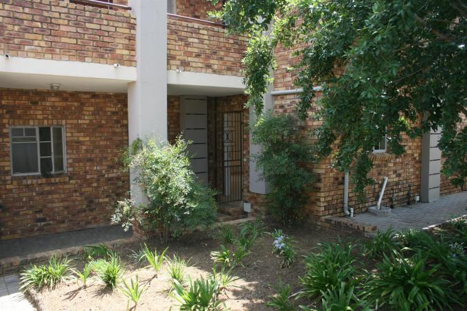 2 Bedroom Sectional Title for Sale For Sale in Theresapark - Home Sell - MR123979