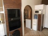 Kitchen - 67 square meters of property in Hartbeespoort