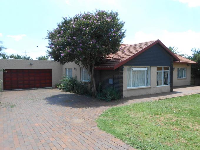 Standard Bank EasySell 3 Bedroom House For Sale in Hurlyvale - MR124024