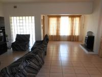 Lounges - 28 square meters of property in Hurlyvale