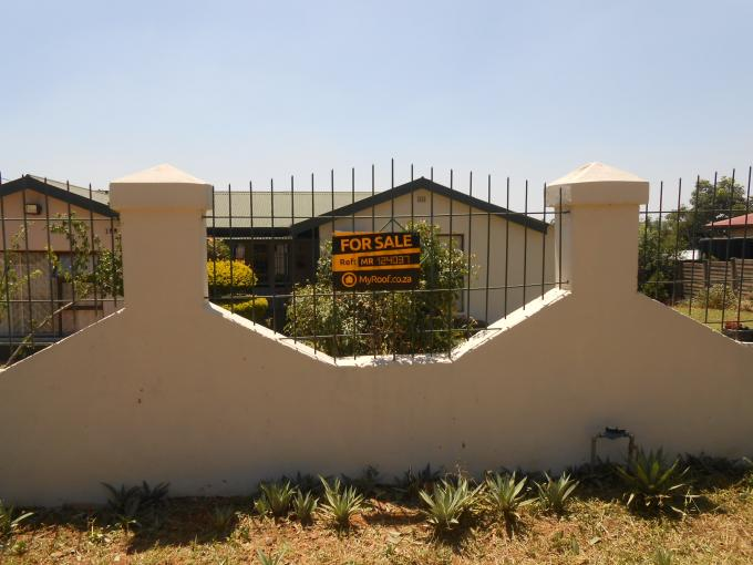 3 Bedroom House for Sale For Sale in Kwaggasrand - Home Sell - MR124037