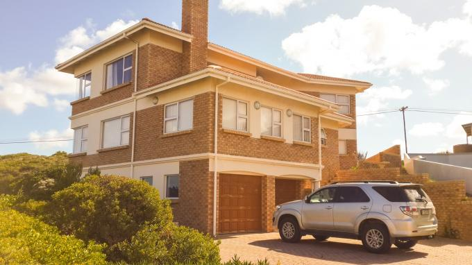 5 Bedroom House for Sale For Sale in Jongensfontein - Private Sale - MR124093