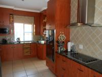 Kitchen - 28 square meters of property in Beyers Park