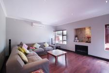 Lounges - 28 square meters of property in Cormallen Hill Estate
