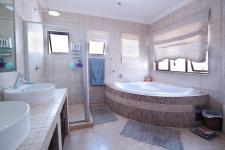 Main Bathroom - 9 square meters of property in Cormallen Hill Estate