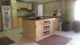 Kitchen - 57 square meters of property in Waterfall