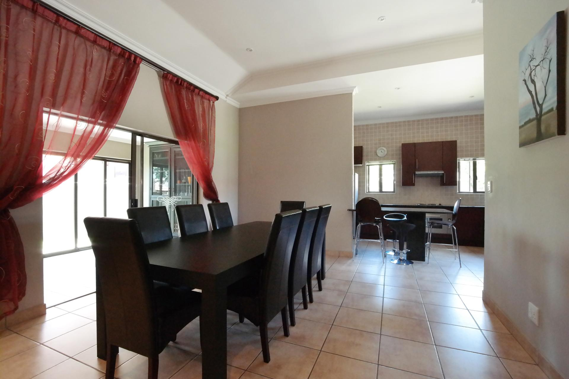 Dining Room - 19 square meters of property in Willow Acres Estate