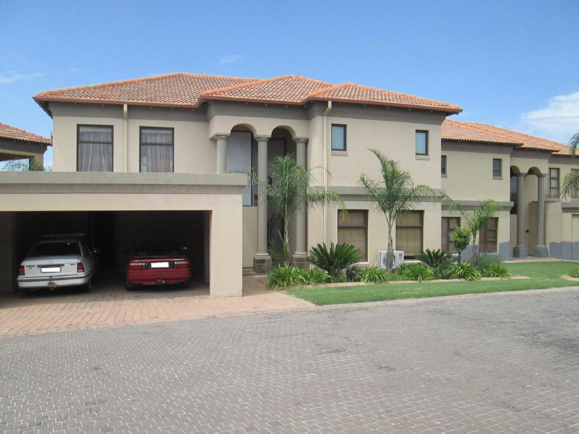 Front View of property in Vaalmarina