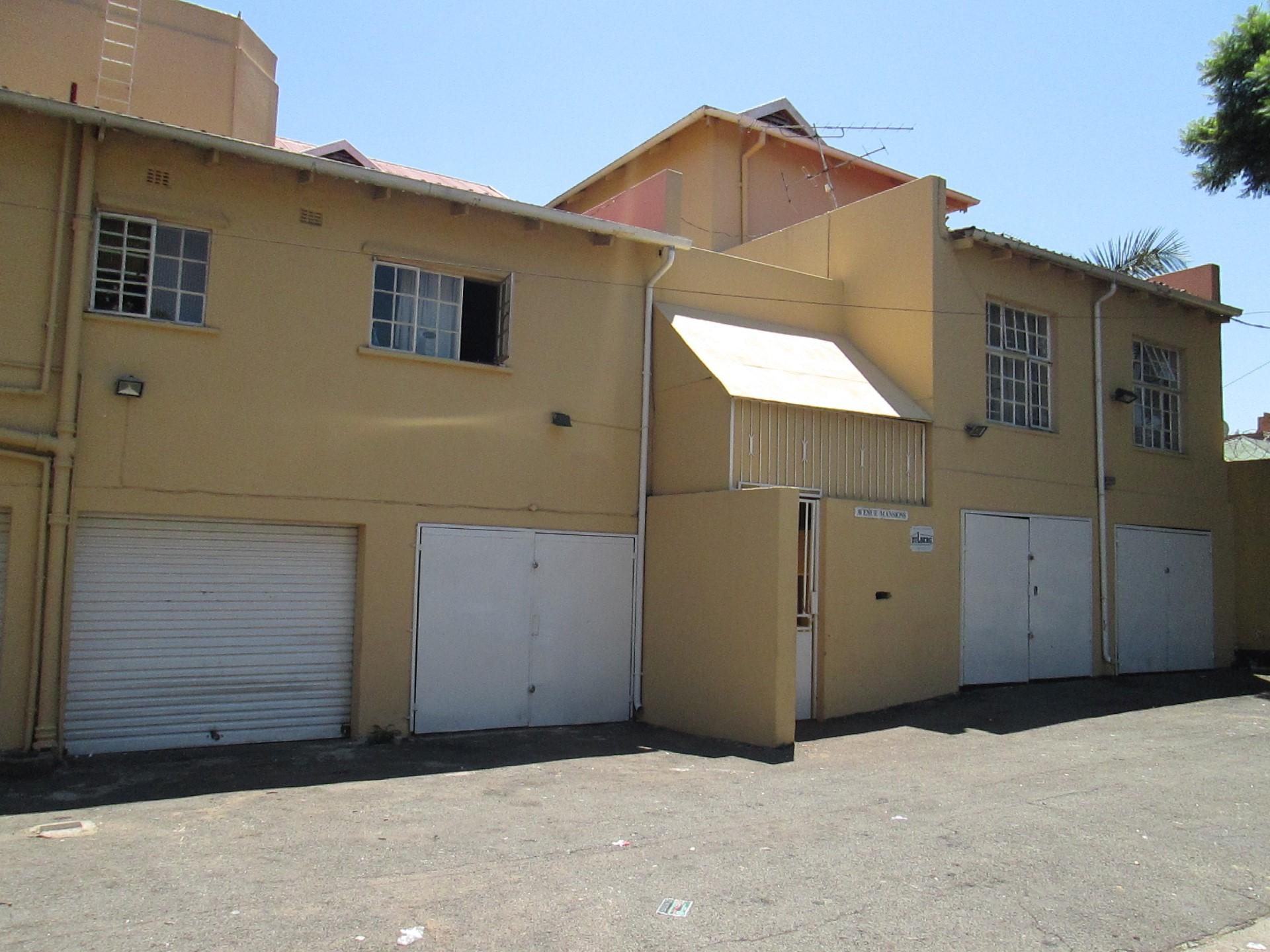 Front View of property in Yeoville