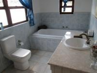 Bathroom 2 - 13 square meters of property in Sandton