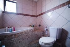 Bathroom 2 - 5 square meters of property in The Meadows Estate