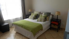 Main Bedroom - 14 square meters of property in Theresapark