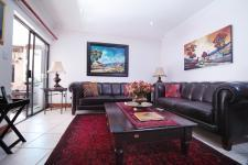 Lounges - 18 square meters of property in The Wilds Estate