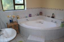 Bathroom 1 - 16 square meters of property in Durbanville