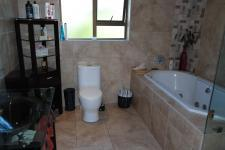 Main Bathroom - 11 square meters of property in Durbanville