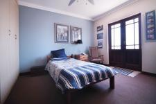 Bed Room 2 - 14 square meters of property in The Meadows Estate