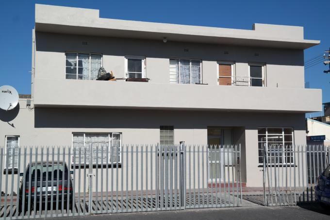 4 Bedroom Apartment For Sale in Parow Central - Private Sale - MR124490