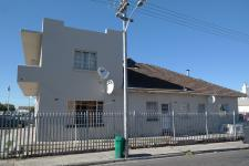 Front View of property in Parow Central